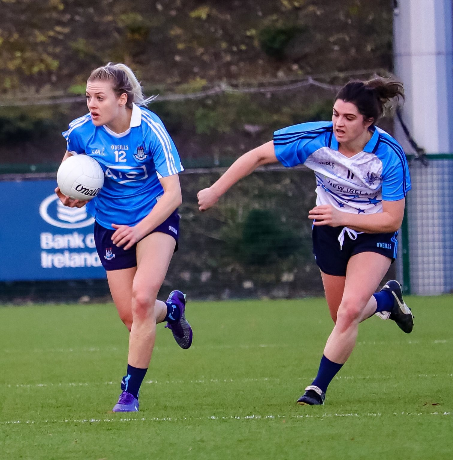 Dublins Micole Owens Breaks Away From Niamh Collins In The 2016 Ladies Football Dubs Stars Game