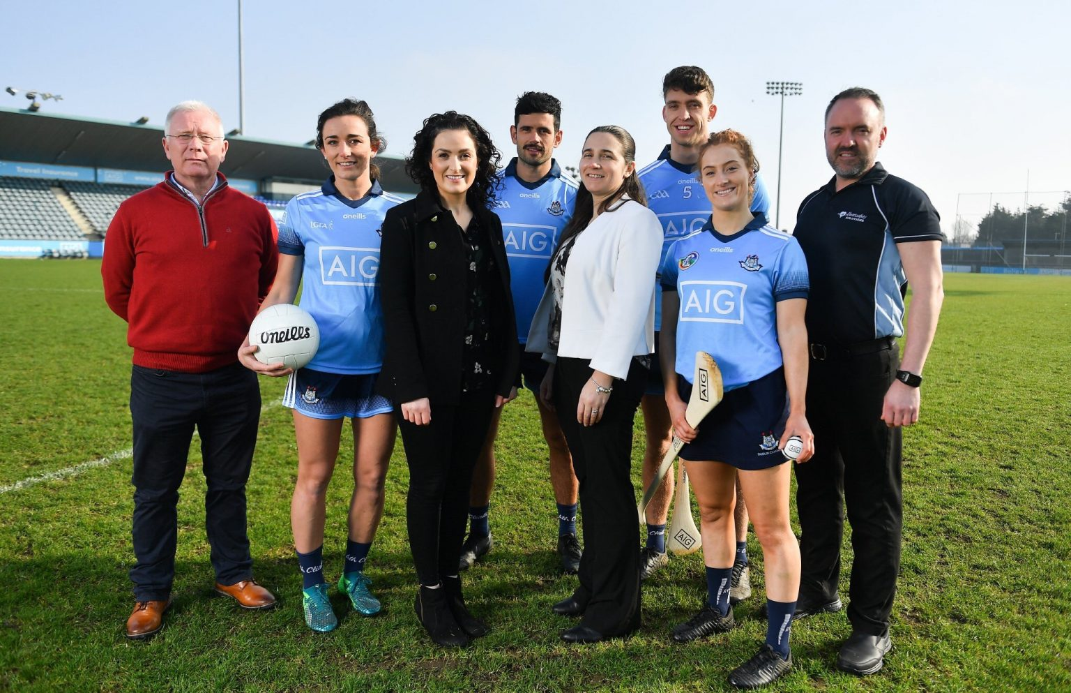 Four Dublin players from Men's and Ladies football, Hurling and Camogie with members from AIG at the launch of the AIB Dub Club Health Initiative