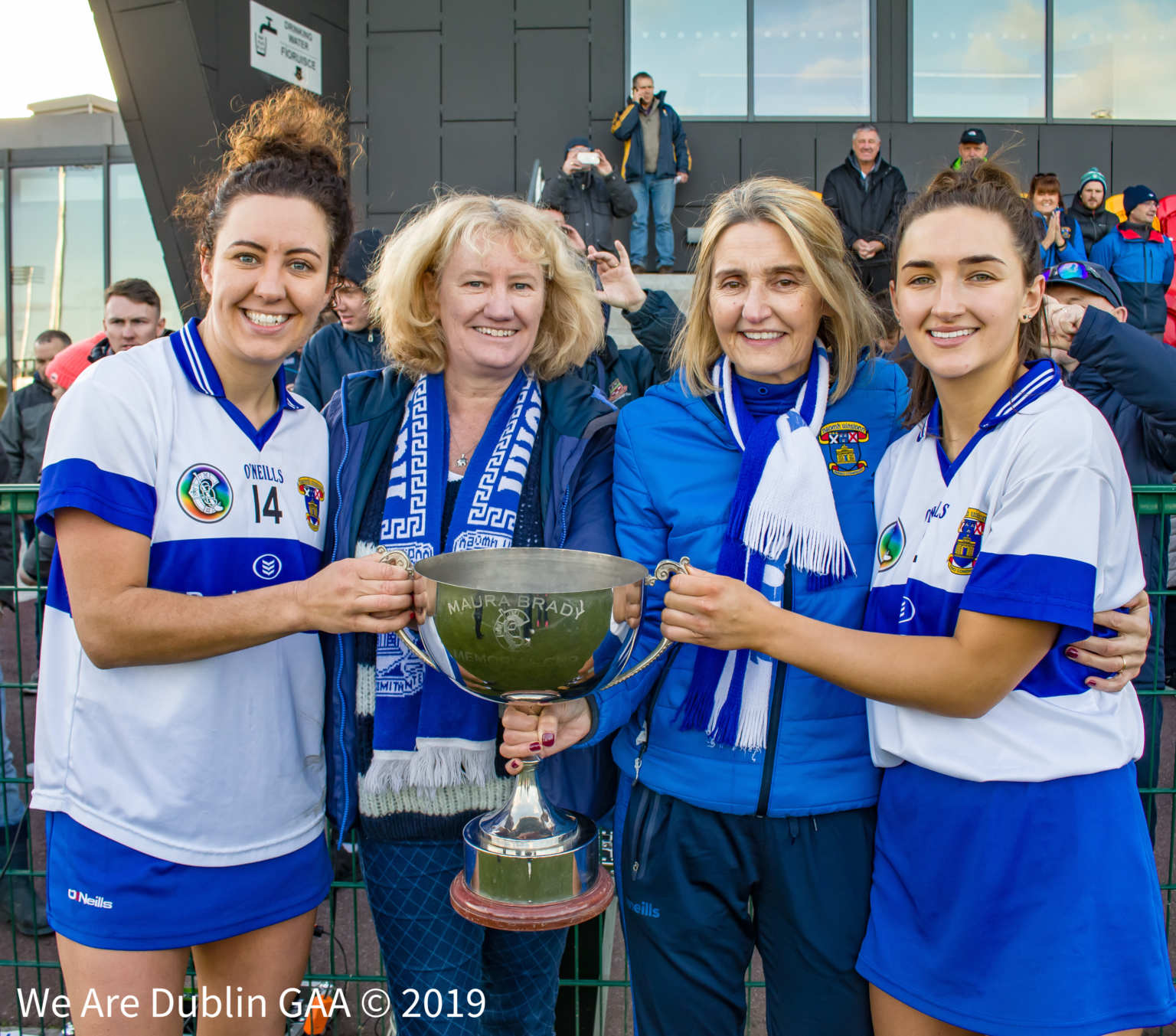The St Vincents Co-Captains and their mother's with the We Are Dublin GAA/Dublin Camogie Senior 1 Title Trophy