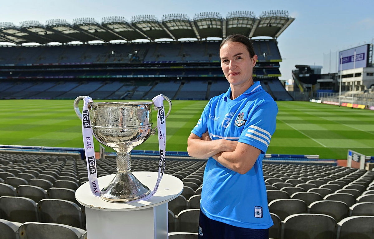 In attendance at a photocall at Croke Park in Dublin ahead of the TG4 All-Ireland Junior, Intermediate and Ladies Senior Football Championship Finals on Sunday next is Dublin captain Sinead Aherne with the Brendan Martin Cup.